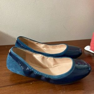 Cole Haan Patent x Suede Flat 7.5